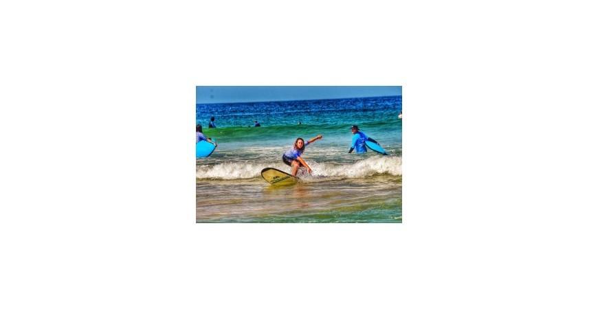 SURFING IN SYDNEY, AUSTRALIA